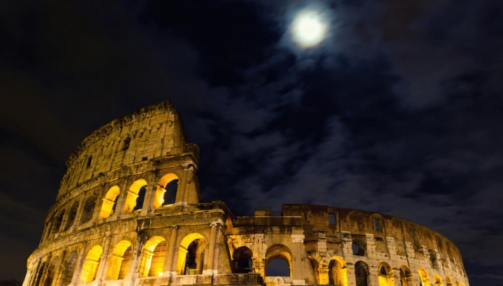 Vatican and Colosseum Under the Moon small group tour