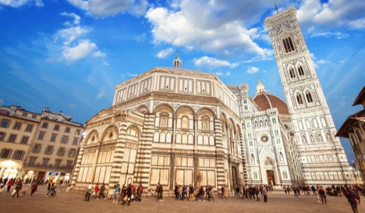 Travelling from Rome to Florence, the city of Michelangelo