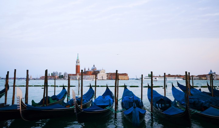 Venetian Gondola: 8 secrets you should know about Venice symbol
