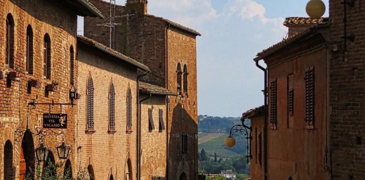 Discover Certaldo in Tuscany, the birthplace of Boccaccio