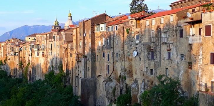 Explore the medieval town of Sant'Agata de' Goti