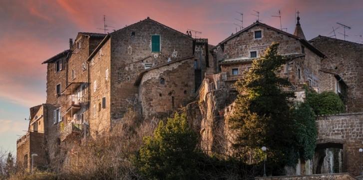 Explore Calcata a picturesque bohemian town
